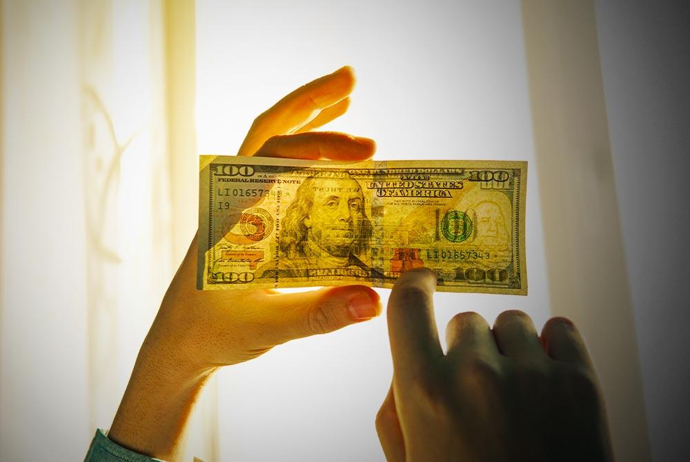 How Do I Spot Counterfeit Money? How to Use a Counterfeit Money Pen