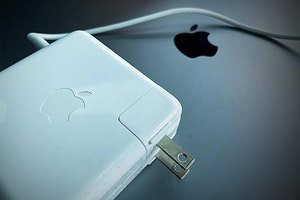 Real vs. Fake Apple Power Adapters: 4 Signs of a Fake