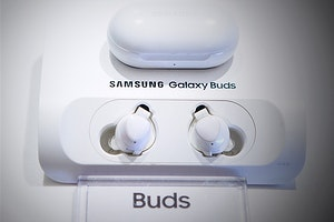 How to Spot a Pair of Fake Galaxy Buds in 3 Easy Ways