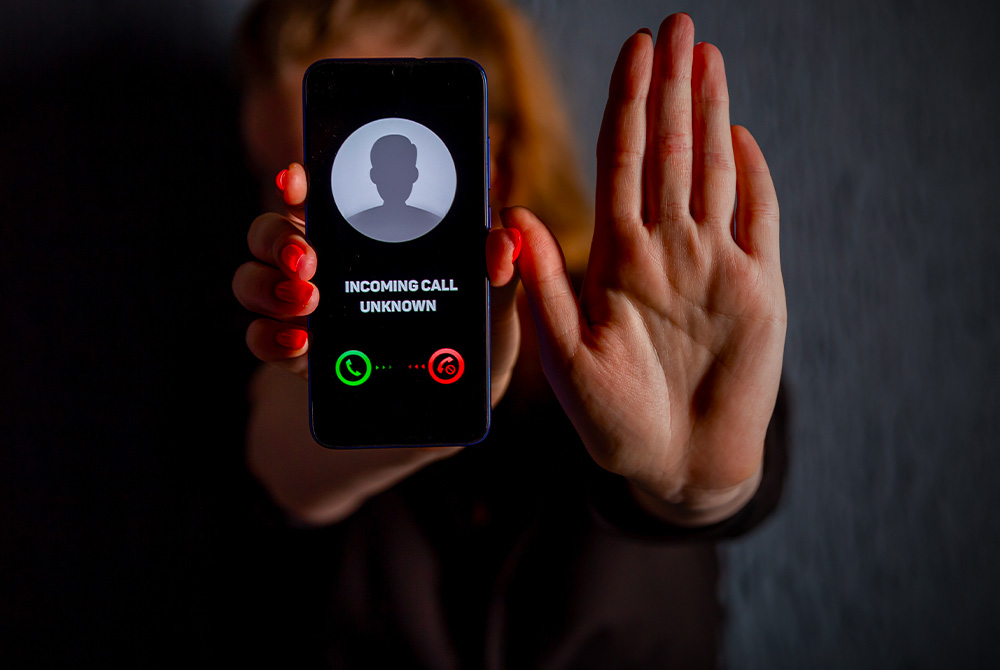 Top 7 Scam Call Apps to Block Robocalls and Scammers